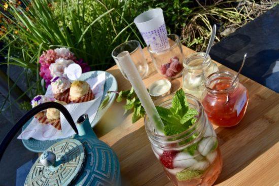 Bubble Tea au thé blanc, perles de fraise et perles de lychee