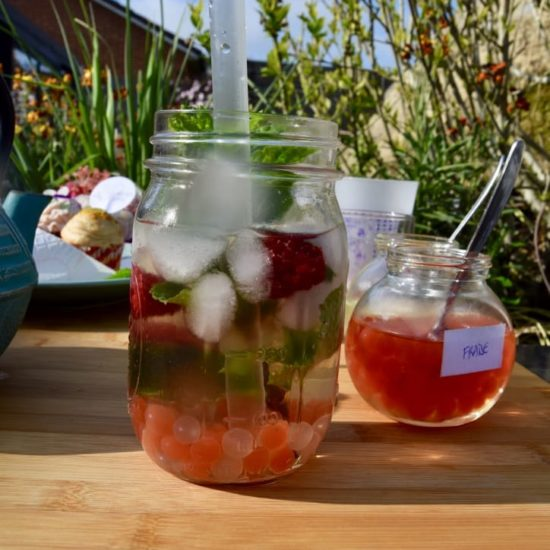 Bubble Tea au thé d'Elise, framboise et menthe fraiche
